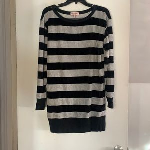 JUICY COUTURE SWEATER DRESS.  SIZE L.  NWOT.